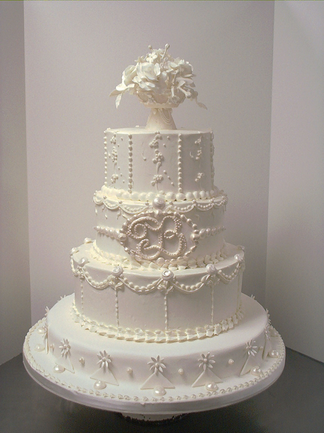 traditional white wedding cake designs ag w 9 wedding cake allaboutlemon all around in and 21215