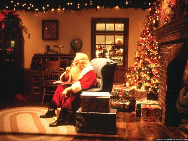 santa-claus-in-room